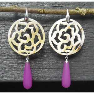 Zilveren oorbellen met uitgesneden Buffelhoorn en paarse Jade