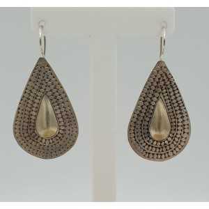 Zilveren bewerkte druppel oorbellen