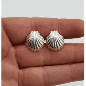 Zilveren oorknoppen schelp