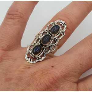 Zilveren ring gezet met Labradoriet bewerkte kop 16 mm
