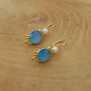 Goud vergulde oorbellen met blauw Chalcedoon en Parel