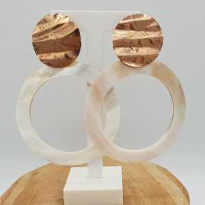Rosé goud vergulde oorbellen met grote open ronde Parelmoer hanger