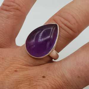 Zilveren ring gezet met druppelvormige cabochon Amethist 17.5 mm