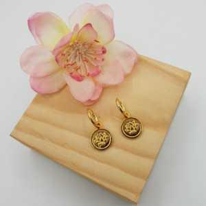Goud vergulde creolen met ronde hanger met lotus