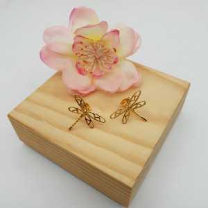 Vergoldete oorknoppen mit Libelle