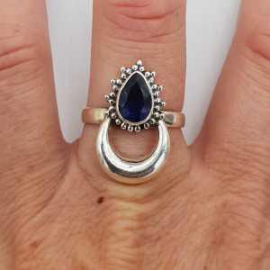 Zilveren maan ring gezet met Ioliet 18.5 mm