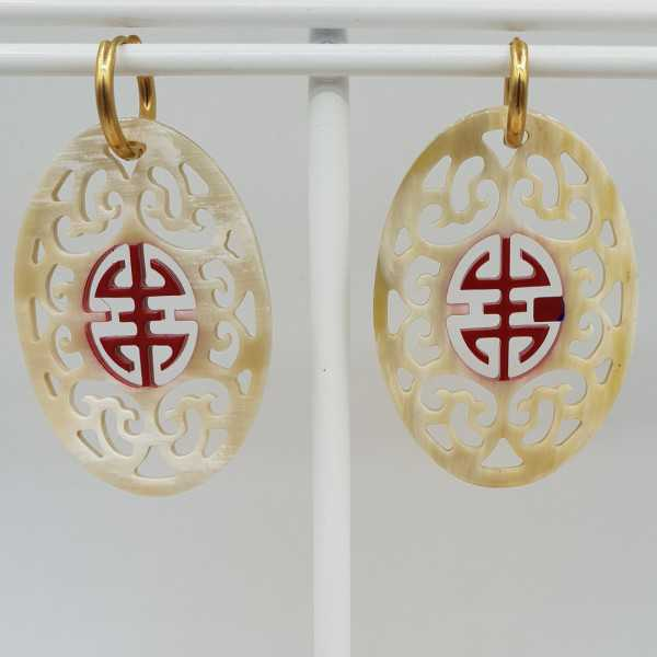 Earrings with oval with red lacquered buffalo horn pendant