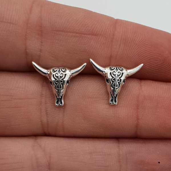 Silver Buffelo skull oorknopjes