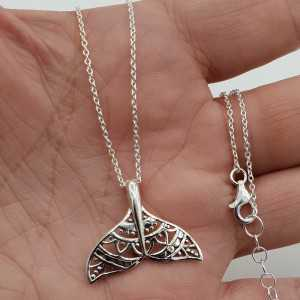 Silberne Halskette mit Delfin-Märchen-Anhänger