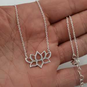 Zilveren ketting met Lotus hanger