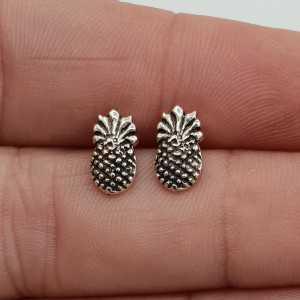 Silver pineapple oorknopjes