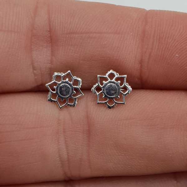 Silver mandala flower oorknopjes