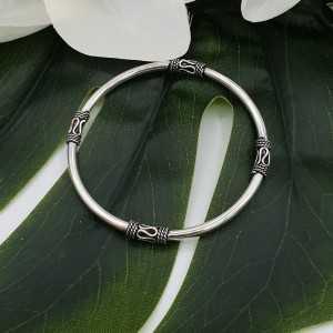 Zilveren ronde bali stijl armband