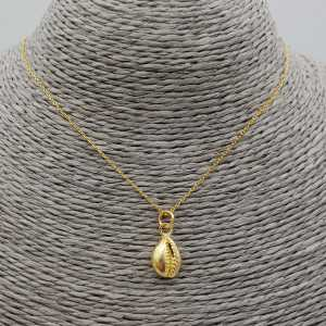 Goud vergulde ketting met cowrie schelp hanger