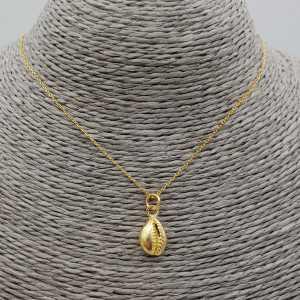 Vergoldete Halskette mit Kauri-Muschel-Anhänger