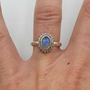 Silber ring set mit kleinen ovalen Mondstein
