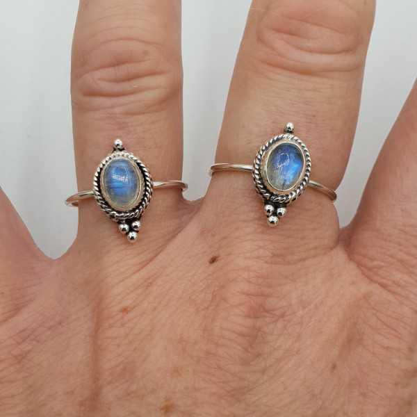 Silber ring set mit kleinen cabochon Mondstein