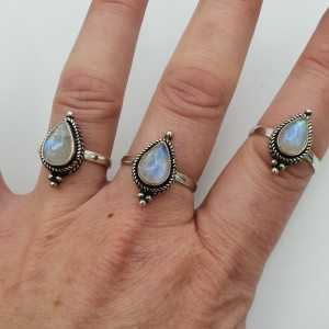 Silber ring set mit tropfenförmigen Mondstein