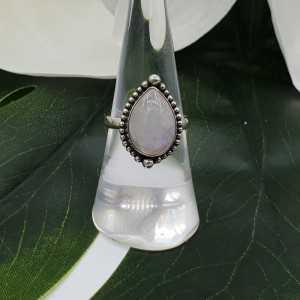Silber ring mit cabochon oval Mondstein