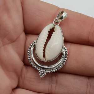 Zilveren hanger met Cowrie schelp
