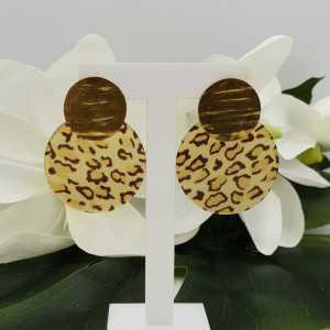 Goud vergulde oorbellen met ronde panter print resin