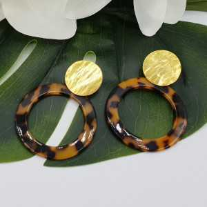 Gold plated earrings with open round tortoise resin pendant