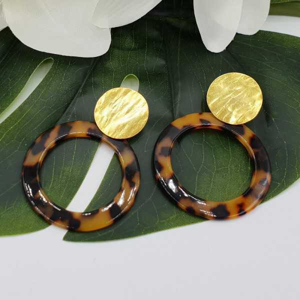 Vergoldete Ohrringe mit offenen Runde Schildkröte Harz-Anhänger