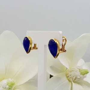 Vergoldete oorknoppen mit blauen Chalcedon