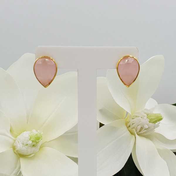 Goud vergulde oorknoppen gezet met roze Chalcedoon