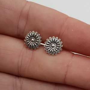 Silver oorknoppen flower
