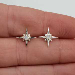 Silver north star oorknopjes with rainbow Moonstone