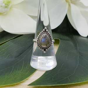 Zilveren ring met druppelvormige facet Labradoriet 17.3 mm