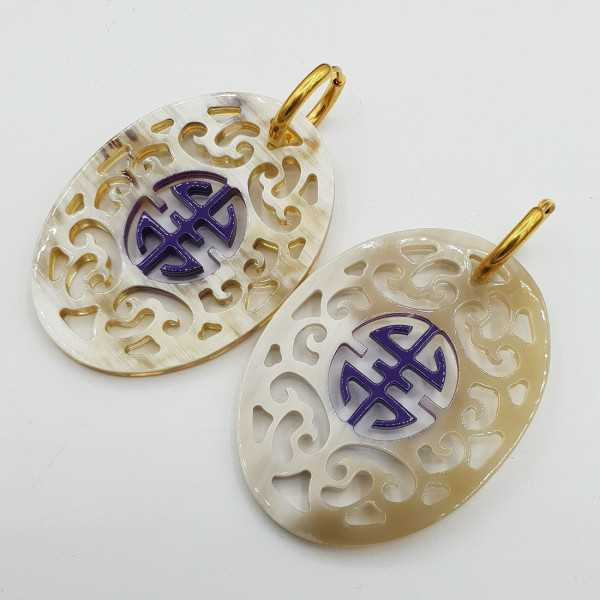 Earrings with oval with purple lacquered buffalo horn pendant