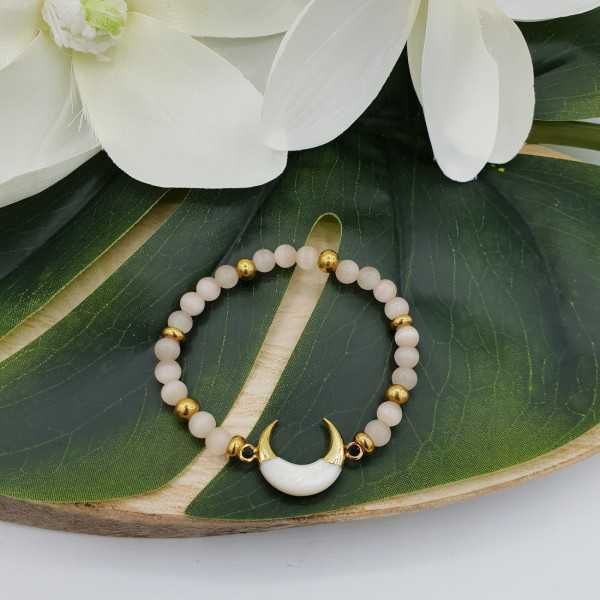 Bracelet made of cat's eye and half-moon mother-of-Pearl