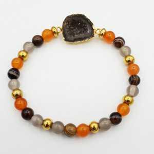 Bracelet of Carnelian, Botswana Agate, grey Agate and Agate geode