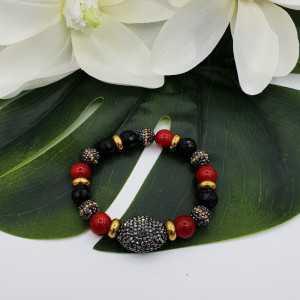 Armband aus schwarzen Onyx-Korallen und Kristallen