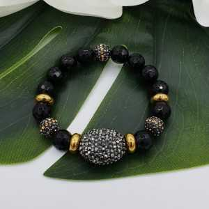 Bracelet of black Onyx and crystals