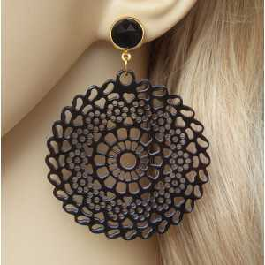 Gold plated earrings with round cut-out buffalo horn and Onyx