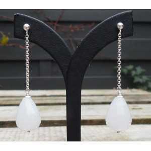 Silber lange Ohrringe mit facettierten weisse Jade briolet