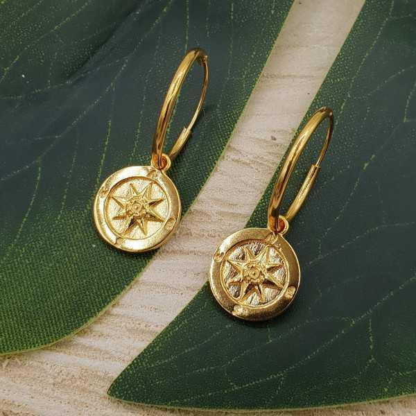 Vergoldete Kreolen mit Kompass-Anhänger