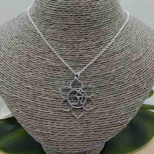 Silber Kette mit offenen lotus Anhänger mit Ohm-Zeichen