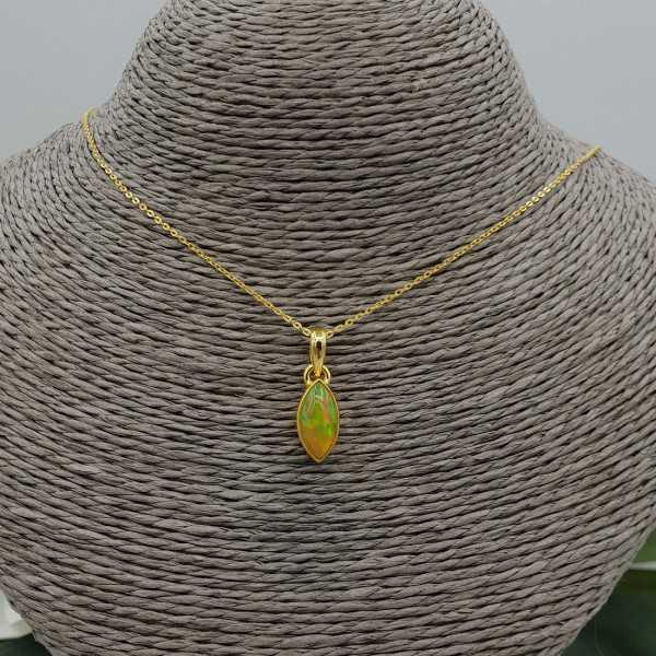 Goud vergulde ketting met marquise Etiopische Opaal hanger
