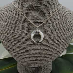Silver necklace with mother of Pearl horn pendant