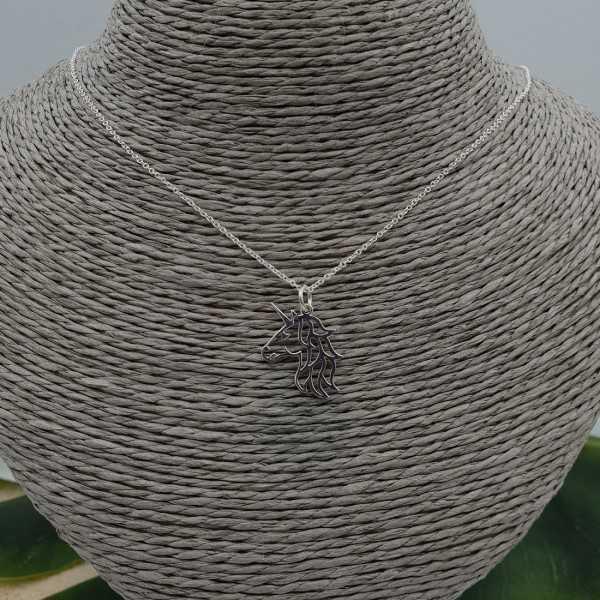 Zilveren ketting met eenhoorn hanger