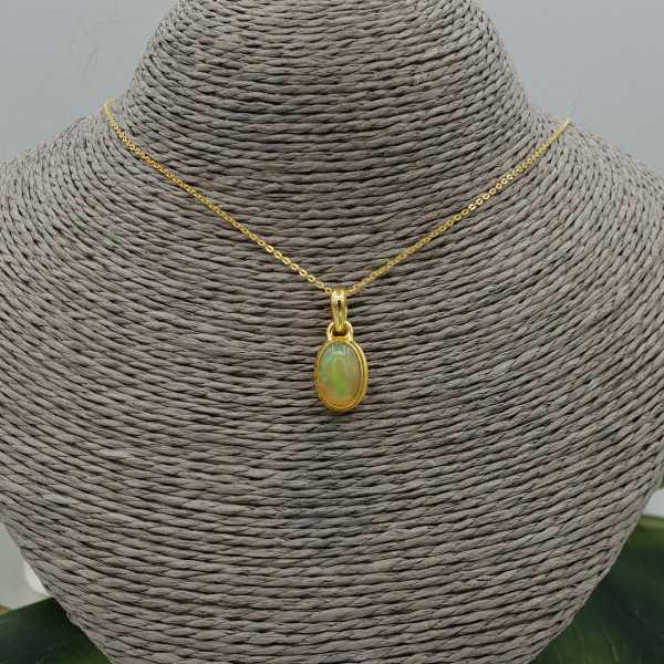 Goud vergulde ketting met ovale Etiopische Opaal hanger