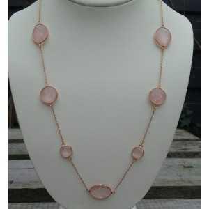 Vergoldete Halskette gemacht mit Facette cut rose quartz