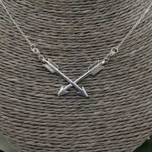 Silver necklace with two arrows