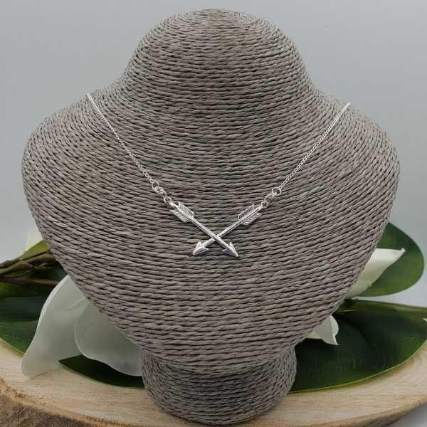 Zilveren ketting met twee pijlen