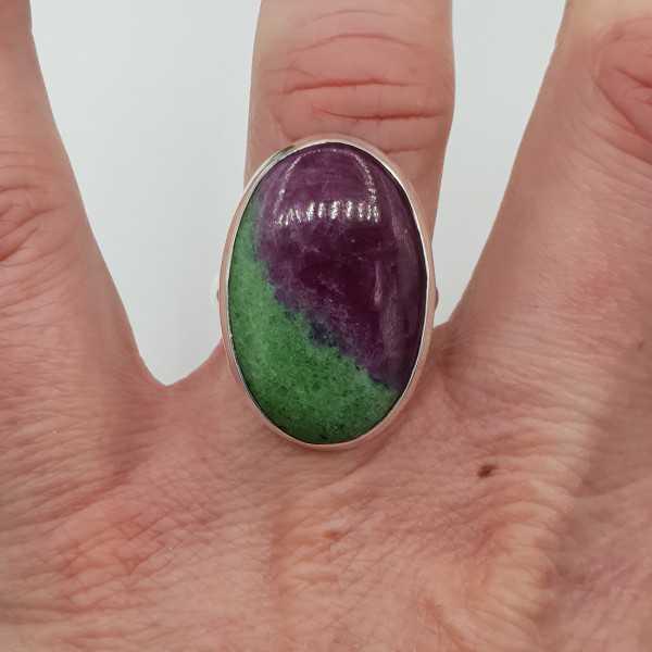 Zilveren ring gezet met Robijn Zoisiet 17.7 mm