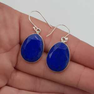 Zilveren oorbellen met facet geslepen Lapis Lazuli